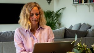 Terapi via video Med Leg. psykoterapeut Helena Löfgren
